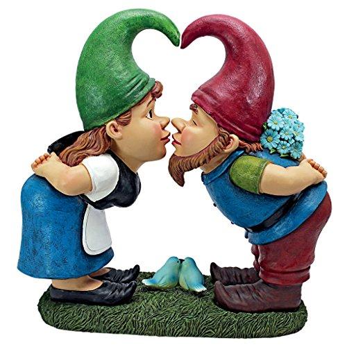 Lover Gnomes Statue