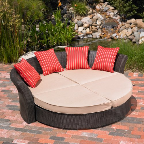 Gorgeous Patio Daybed