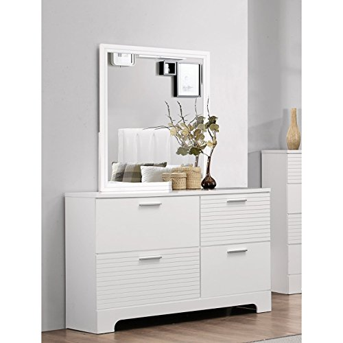 Cute 4-Drawer White Dresser with Mirror
